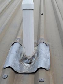HCS roof flue flashing lifting