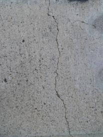 crack in concrete wall2